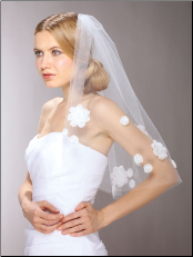 Chic 60's Mod Wedding Veil with Cut Trim Daisies