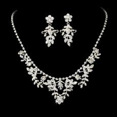 Beautiful Swarovski Necklace Earring Set