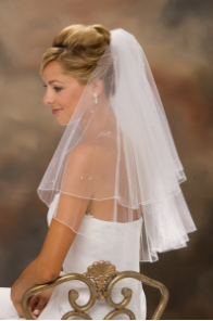 "20""x 25"" Long Corded Edge Veil with pearls"